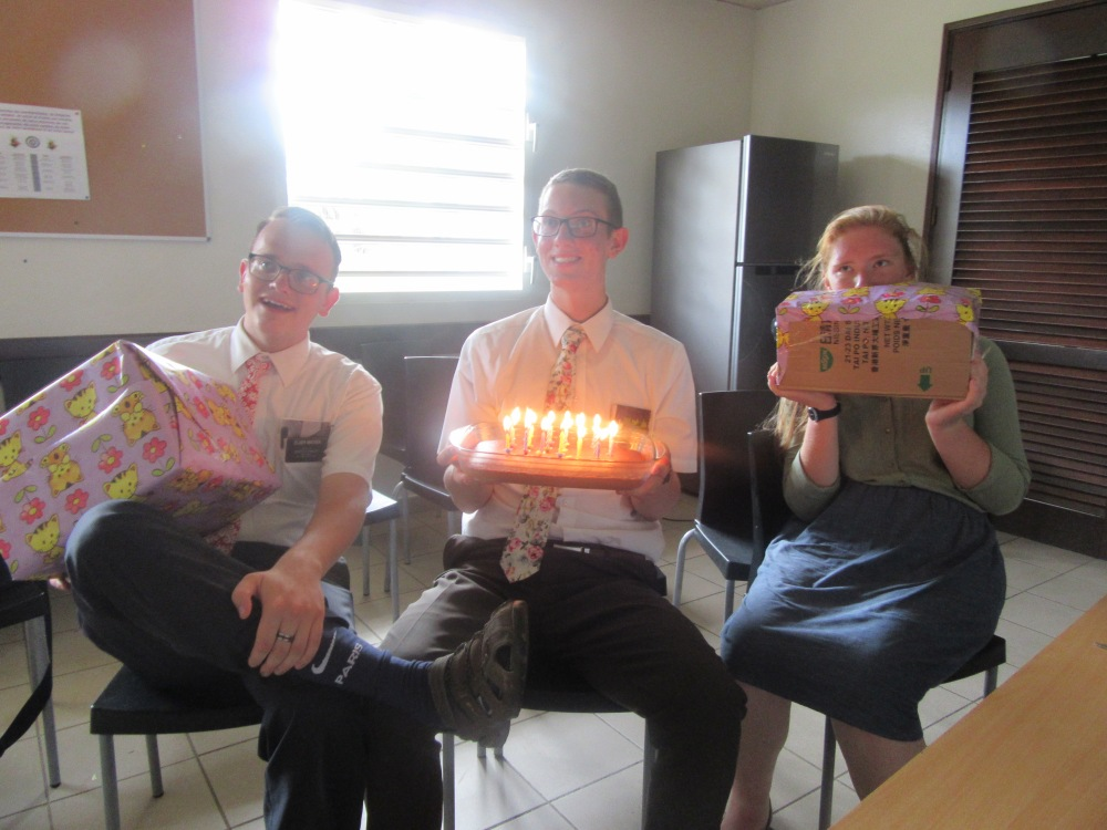 the 3 birthday missionaries elder madsen 4th, elder anderson 13th and sr holt 10th we ate cake and banane pesee!!