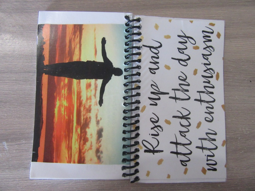 sr reep made my new planner for next week(using a postcard that ruthie t sent me!!)